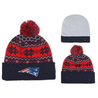 Wholesale Patriots Pom Pom Beanies Cool Football Skull Caps Cheap Team Beanie Caps with Pom Fashion Knitted Beanie Hats Brand Winter Hats Mix Order