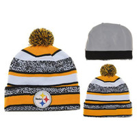 Wholesale Steelers Beanie Hats Football Caps Yellow Grey Pom Pom Beanies Cheap Winter Caps Fashion Team Hats Newest Knitting Beanie Hats for Cheap