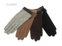 Wholesale Classic men s autumn and winter warm wool cashmere gloves leather cuff trip short and Gloves
