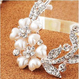 Wholesale hot new pearl tiaras Hair Jewelry hair Flowers Brooches Pins bridal hair accessories Pearl spiral clip wedding hair accessories