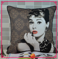 Wholesale Factory Supply Retro Decorative Audrey Hepbum Printed Throw Cushion Cover Pillow Case for Couch