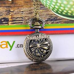 Wholesale- 5pcs / lot mujeres / hombres vestido de reloj de bolsillo de la libélula hueco de la vendimia del bronce del estilo de Steampunk cuarzo colgante, collar de cadena del reloj 19321 cheap woman necklace clock desde mujer del reloj del collar proveedores