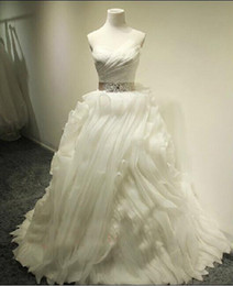 Wholesale Real Images Celtic Cascading Ruffles Court Train Organza Church Wedding Dresses Ruffle Sweetheart Bow Sash Ball Gown Bridal Gowns