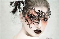Wholesale Elegant Unisex Holloween Carnival Party Venetian Masquerade Visor Filigree Laser Cut Mask with Metal Mask Luxury Half Face Mask