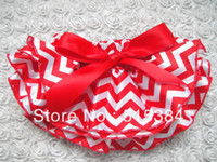 Wholesale Christmas red chevron satin bloomer for kids hot selling layer zigzag bloomer diaper covers