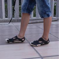 Wholesale Summer New Korean Men Toe Cap Covering Plastic Beach Sandals Sport Sandals Hole Shoes Sandals Men Size