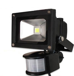 LED Flood Light Motion Sensor 10W 20W 30W 50W Waterproof AC110-260V LED PIR Floodlight Reflector Wall Lamp Outdoor Halogen Light