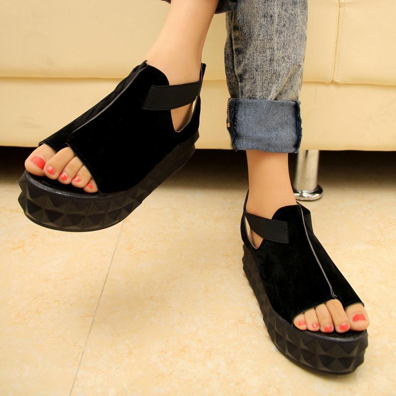 Beautiful women shoes online thick heel girls shoes patent PU shoes wholesale