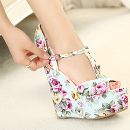 Wholesale-Free shipping wedges high heels fashion flowers print 2015 new sandals for women shoes platform pumps T belt buckle A870