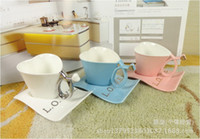 Wholesale Creative heart ceramic cup mug European style coffee heart coffee cup set and saucers Lovers mugs