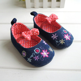 Wholesale Baby girls footwear first walkers colors cm cm baby shoes rubber sole outdoor baby lovely princess shoes toddler shoes newborn sneaker