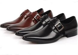 Promotion mens chaussures marron confortables Confortable marron brun / noir affaires chaussures occasionnels mens chaussures habillées en cuir véritable hommes mariages chaussures officielles chaussures respirant