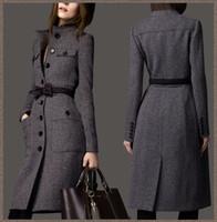 Precio de Lazo de lana-Las mujeres de moda Europea por mayor-2015 #39; s diseñador invierno cachemir gabardina de lana señoras maxi abrigos largos pajarita correa gris WJ3001