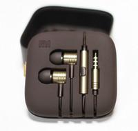 al por mayor jack de auriculares de 3,5-Al por mayor-Nueva Calidad Xiaomi pistón auriculares auriculares Auriculares de moda con conector remoto 3.5 para auriculares