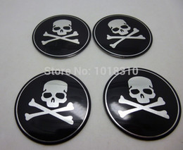 Autocollant décoration de voiture en métal en Ligne-Gros-4X Skull 6cm cool de centre de roue de voiture Hub Cap métal Emblem Decal Sticker Décoration Sticker Roue, Horreur cool Bones Sticker Skull