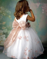 Wholesale Retail children s clothes hot selling girls pageant dress flower girl dress for wedding party white color size t t