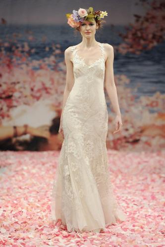 蕾丝面料婚纱