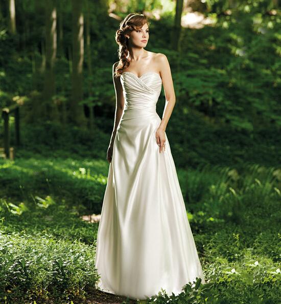 国产缎面婚纱