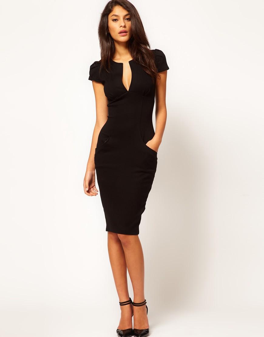 Модели в черном платье