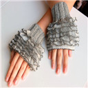 ruffled Fingerless knitted Gloves