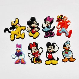 100pcs Hot cartoon Mickey Minnie Donald Duck New arrival PVC shoe charms shoe Accessories fit wristband kids shoe Croc party gifts