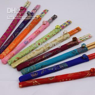 Wholesale Disposable Wedding Party pair Chopsticks Sets with Chinese Silk Pouch
