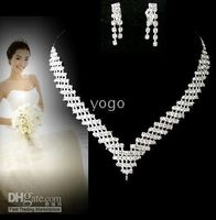 Wholesale Gorgeous Crystal Rhinestones Wedding Bridal Jewelry Simulated Diamond Jewelry Set Necklace Earrings