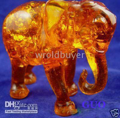 amber elephant - Exquisite rare amber carved elephant statue