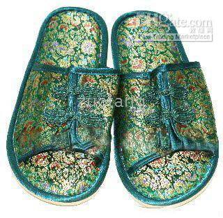 Wholesale Embroider Indoor Slippers Hotel Slipper Men Slippers Silk Flower House Slipper pair mix Free