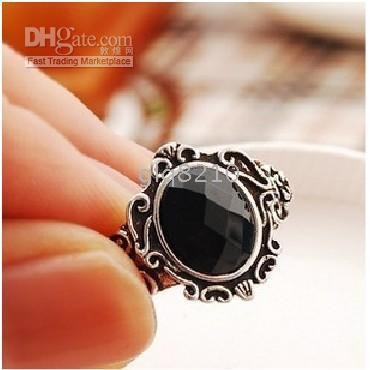 With Side Stones Celtic Women's Black Crystal Stone Rings Vintage Carved Magic Mirror Rose Ring New Arrival 30pcs lot