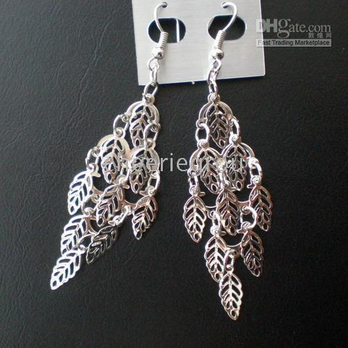 Wholesale Fashion leaf earrings made of iron with silver plating