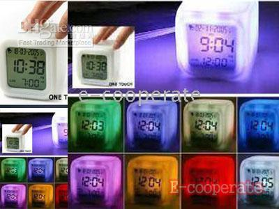Wholesale Good gifts Changing colour alarm digits clock LED Change colors screen