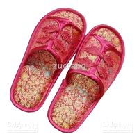 Wholesale Comfortable Women Slippers Sale Indoor Chinese Silk Embroidered Novelty mix color pairs Free