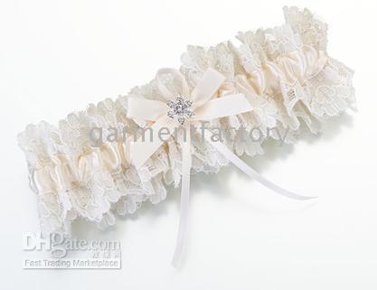 beautiful feminine - Beautiful Ivory Lace Wedding Garter Bridal Garters Bowknot Diamond Wedding Accessories