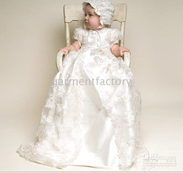 Wholesale High Quality Lovely Jewel Short Sleeve Ivory Lace Silk Christening Gowns Dresses Baby Outfits Sets