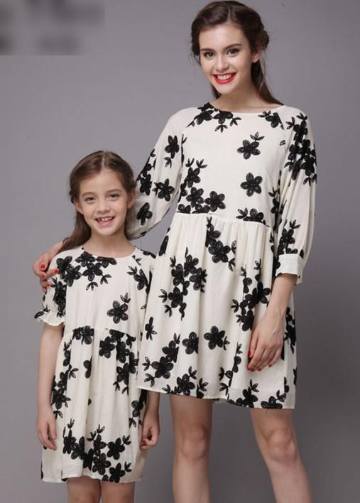 Cotton Stereo Embroidery Light Apricot Ruffly Family Dress Alikes Mother Daughter Dresses Solid Fashion Casual Soft N1746