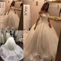 2018 Off The Shoulder Wedding Dresses Lace Applique Cathedra...