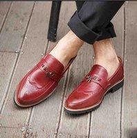 Wholesale men dress shoes online - Fringe Slip On Men Shoes Fashion Vintage Brogue Metal Tassel Loafers Dress Shoes Men Pointed Toe Shoes For Men