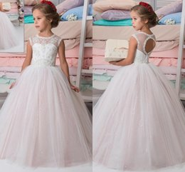 sparkly princess ball gown wedding dresses 2019 - 2018 Sparkly Lace Beaded Arabic Flower Girl Dresses Sheer Crew Ball Gown Backless Vintage Toddler Weddings Dresses cheap