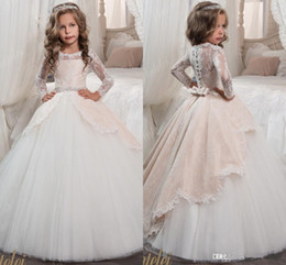Chinese  Vintage Long Sleeves Blush White Flower Girls Dresses for Weddings Princess A Line Jewel Neck Bow Sash Long First Communion Pageant Gowns manufacturers