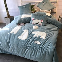 Pink duvets online shopping - winter bedding set baby flleece fabric white bear applique l bed cover bed sheet pillow case four pieces queen and king pink grey mingyang18