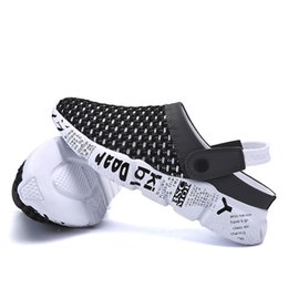 China plus size 39-46 Men Sandals Summer Breathable Air Mesh men lighted slippers outdoor Beach mens Shoes Leisure Slippers cheap summer slippers suppliers