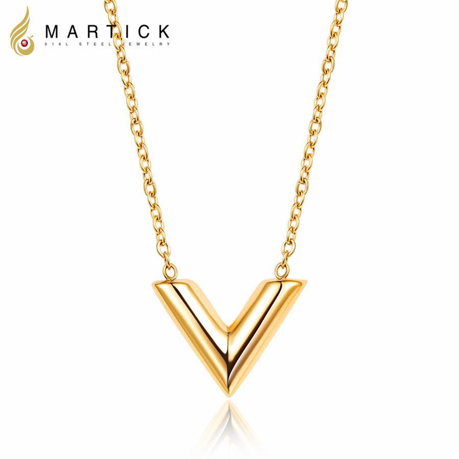 Martick 316L in acciaio inox color oro V lettera shap ciondolo collana catena a maglia collana di gioielli di moda di alta qualità per la ragazza