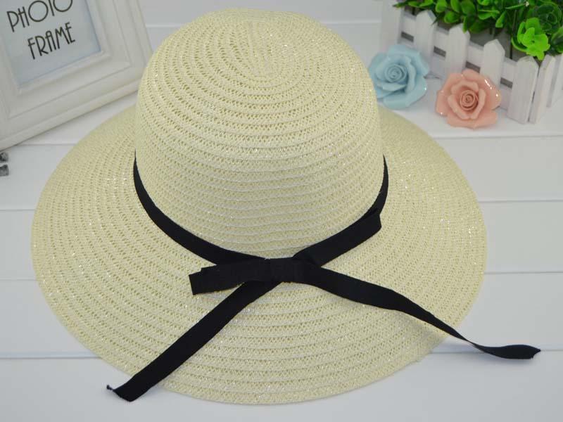 Cappelli di paglia pieghevoli estive delle donne di nuovo cappello di modo delle donne per le cappe della spiaggia delle donne 2 colori Commercio all'ingrosso superiore di qualità