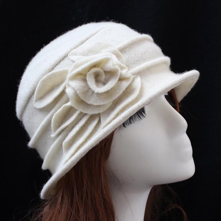 لطيف شتاء دافئ الصوف المرأة قبعة قبعة تزلج الأزهار قبعة البيريه قاء زجاجي 6 ألوان متاح شحن مجاني