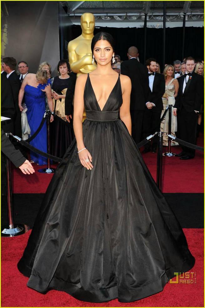 2015 Camila Alves Oscar Sexy Deep V Neck Red Carpet Evening Dresses A Line Taffeta Celebrity Dresses Ball Gowns