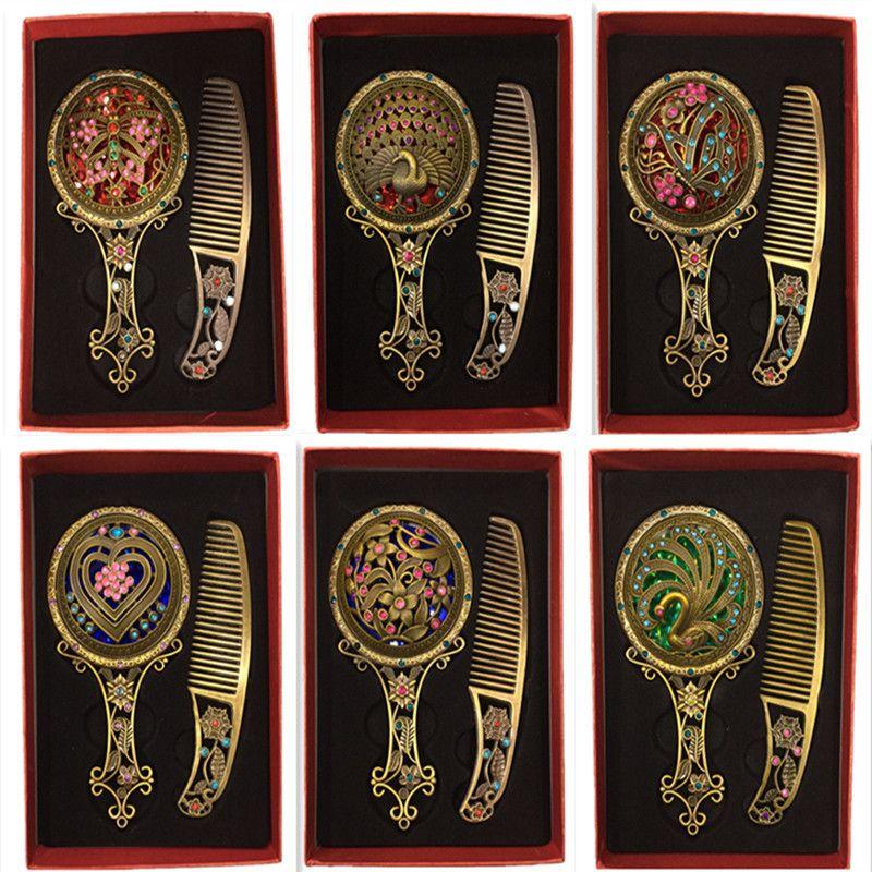 Moda Clássico Retro Vintage 2 pcs Cobre Espelho Compacto Espelhos Oco Espelho Pente Conjuntos de Presente em torno de 30 estilos mix