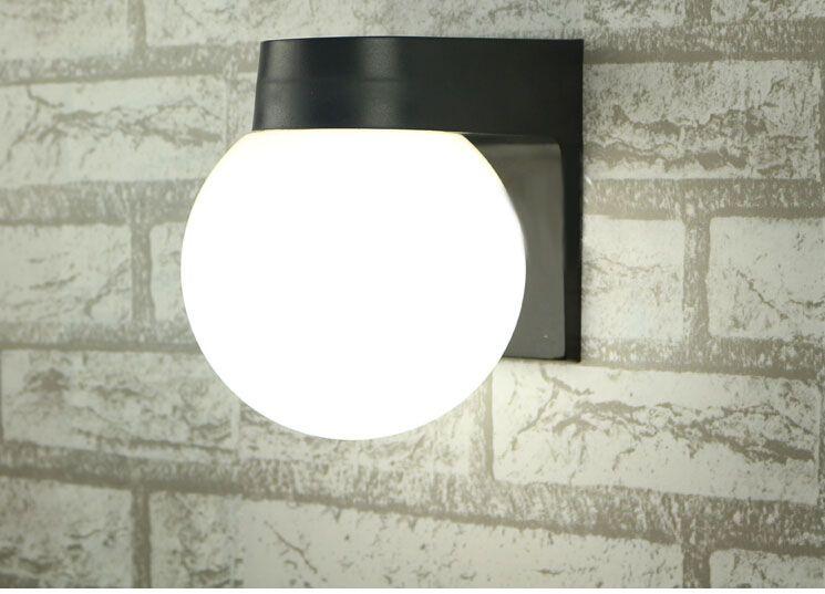 Nieuwe Acrylic Bal LED Wandlampen Nachtkastje Wandlamp, 110 V / 220 V Outdoor Wall Lamp Badkamer Anti-Mist Mirror Lights Led Garden Lamp