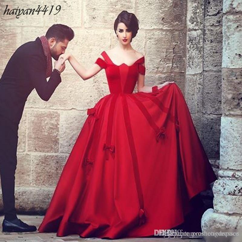 2016 Nieuwe Rode Vintage Avondjurken Off Shoulder Satin Ball Toga Sweep Train met Bow Formele Party Arabische Prom-jurken