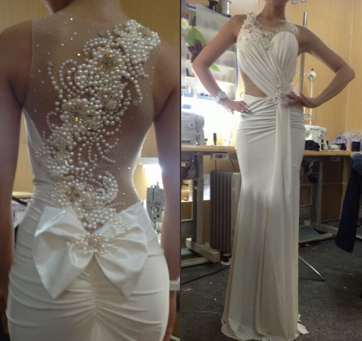Custom Made 2021 Szyfonowa Ruched Biała sukienka z perłami Sheer wieczorowa suknia Seksowna suknia wieczorowa Vestidos de Gala Longo